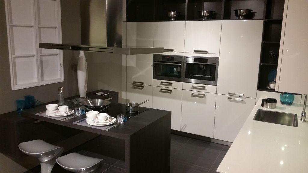 Modern Hoogglans Wit Hacker Keuken : ... .nl/keukens/eiland-keukens ...