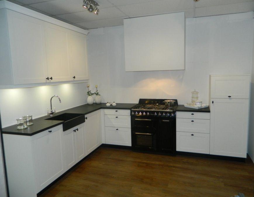 Keuken Plint Hoek : keukens voor zeer lage keuken prijzen Luxe SMEG keuken [54209
