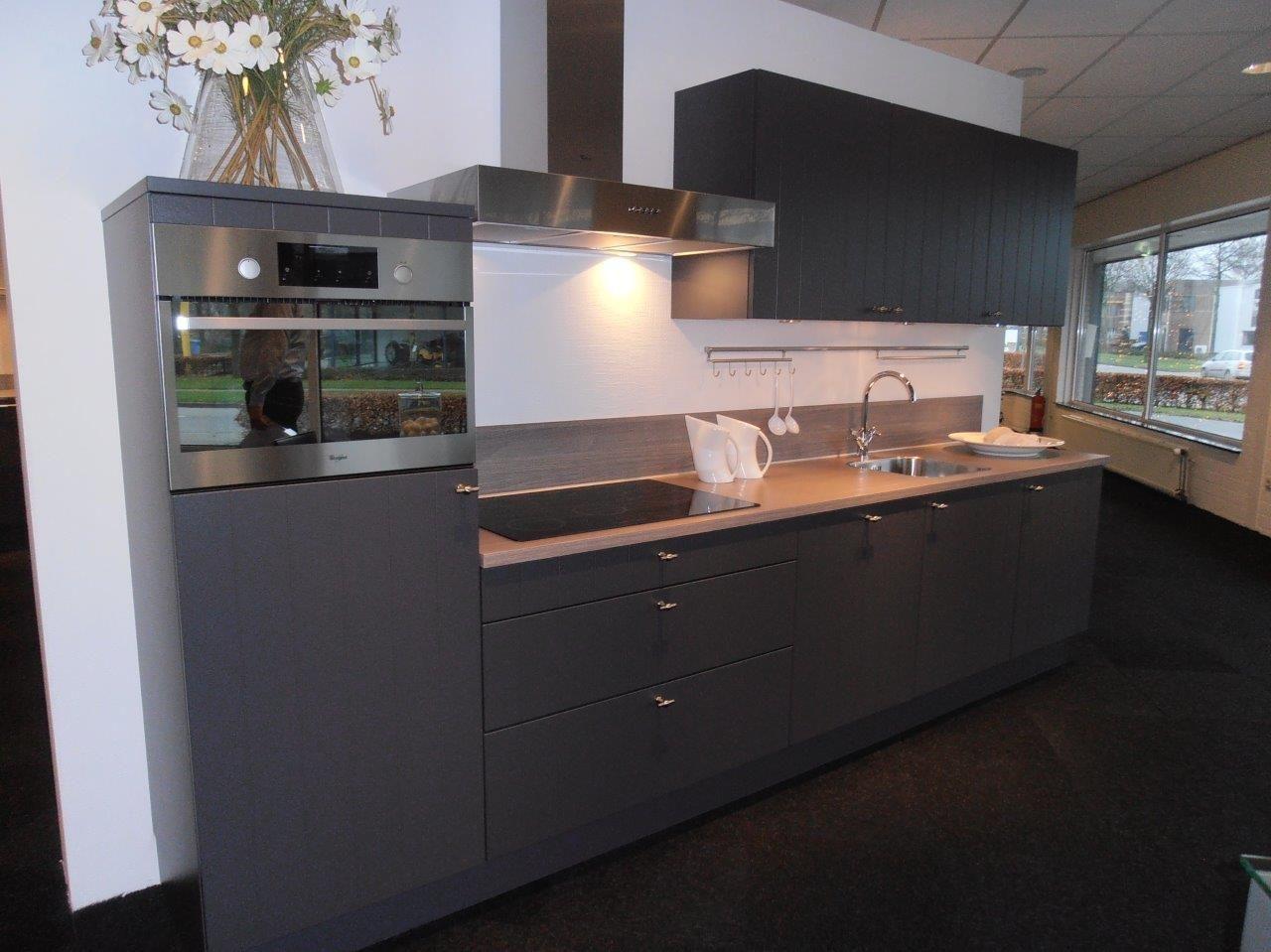Landelijke Keuken Antraciet : lage keuken prijzen Rechte landelijke keuken in antraciet [50162