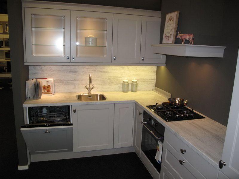 Showroomkeukens alle showroomkeuken aanbiedingen uit nederland keukens voor zeer lage keuken - Keuken voor chalet ...
