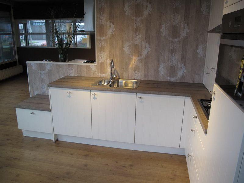 nobilia magnolia nobilia magnolia gewischt lausanne with. Black Bedroom Furniture Sets. Home Design Ideas