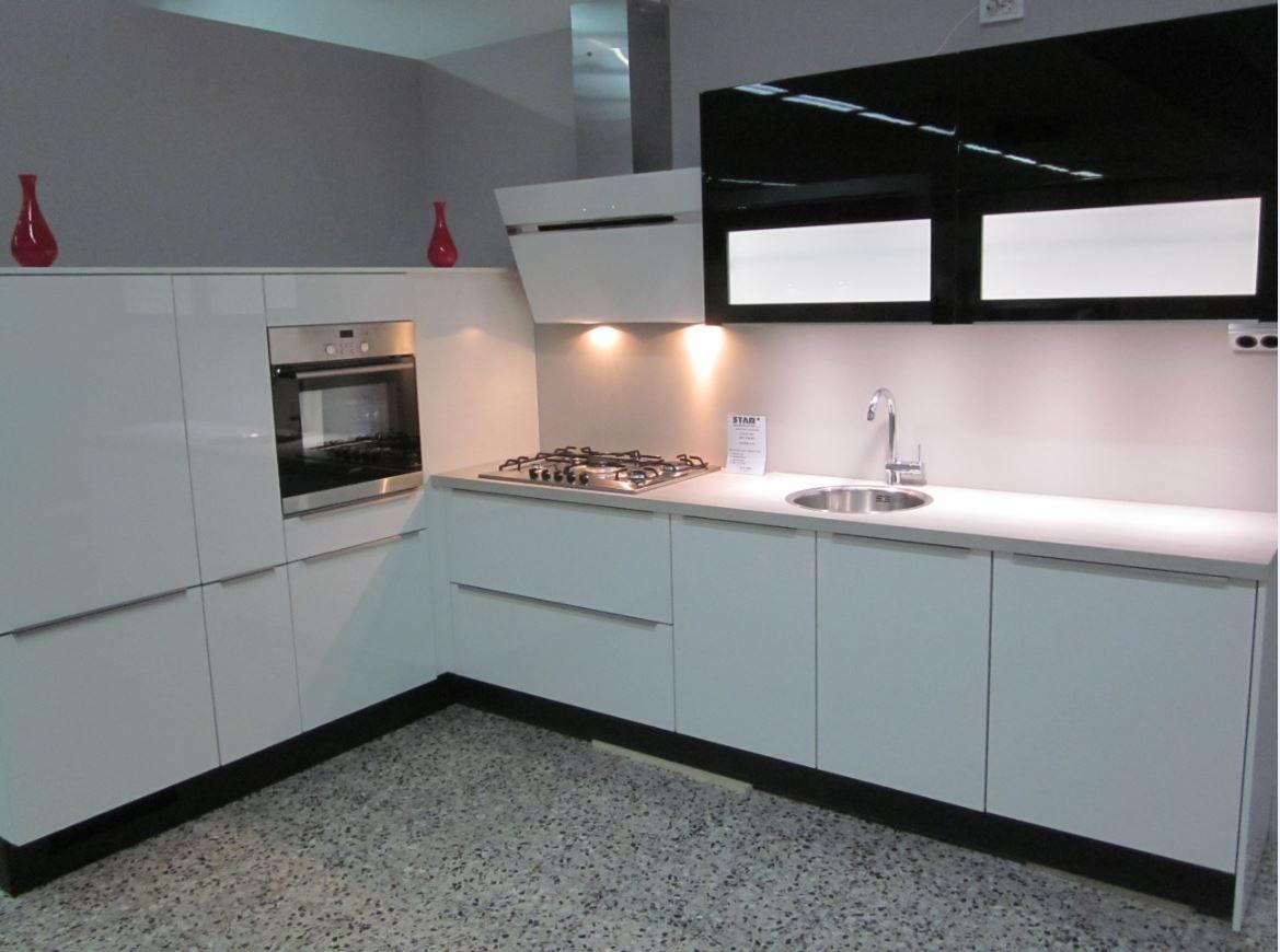 Eiken Keuken Moderniseren : Keuken Zwart Mdf – Atumre com