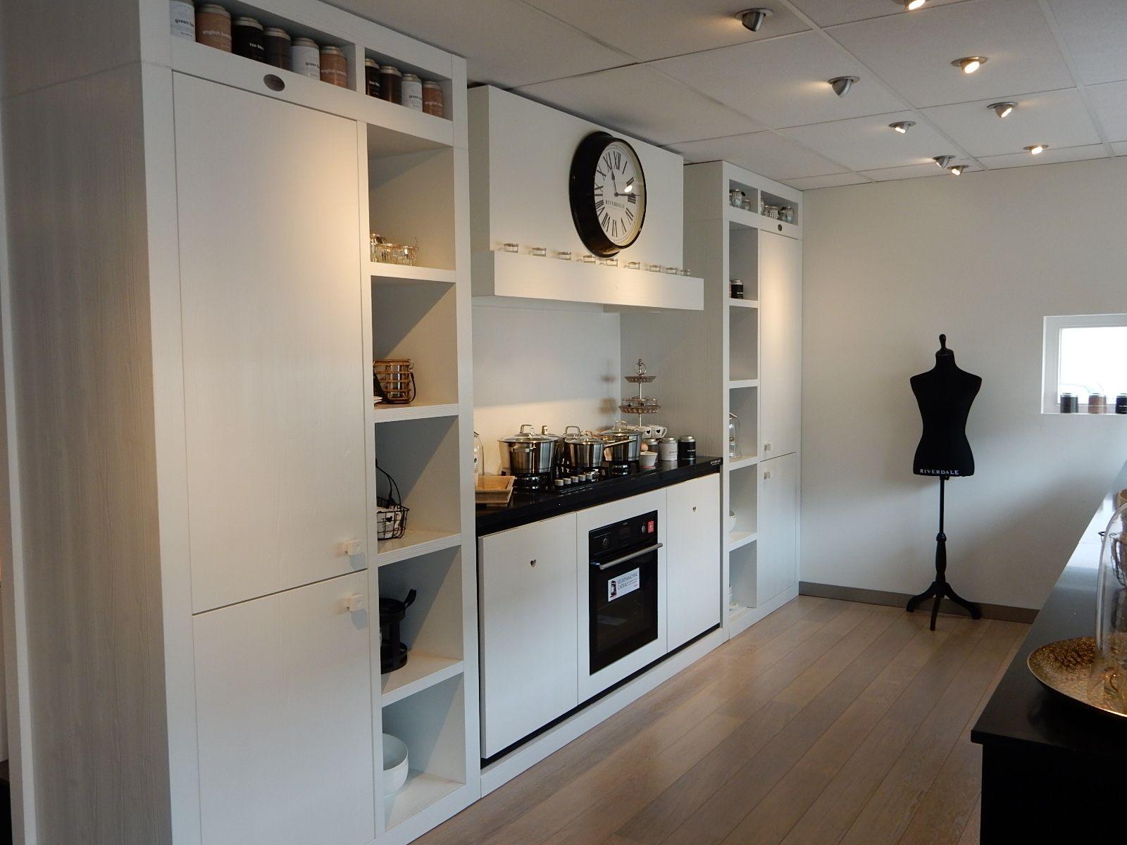 Witte Keuken Ervaring : Showroomkeukens alle showroomkeuken aanbiedingen uit nederland
