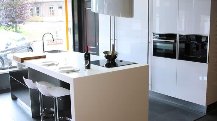 Afmetingen Keuken Met Eiland : keukens voor zeer lage keuken prijzen Designkeuken met eiland (13