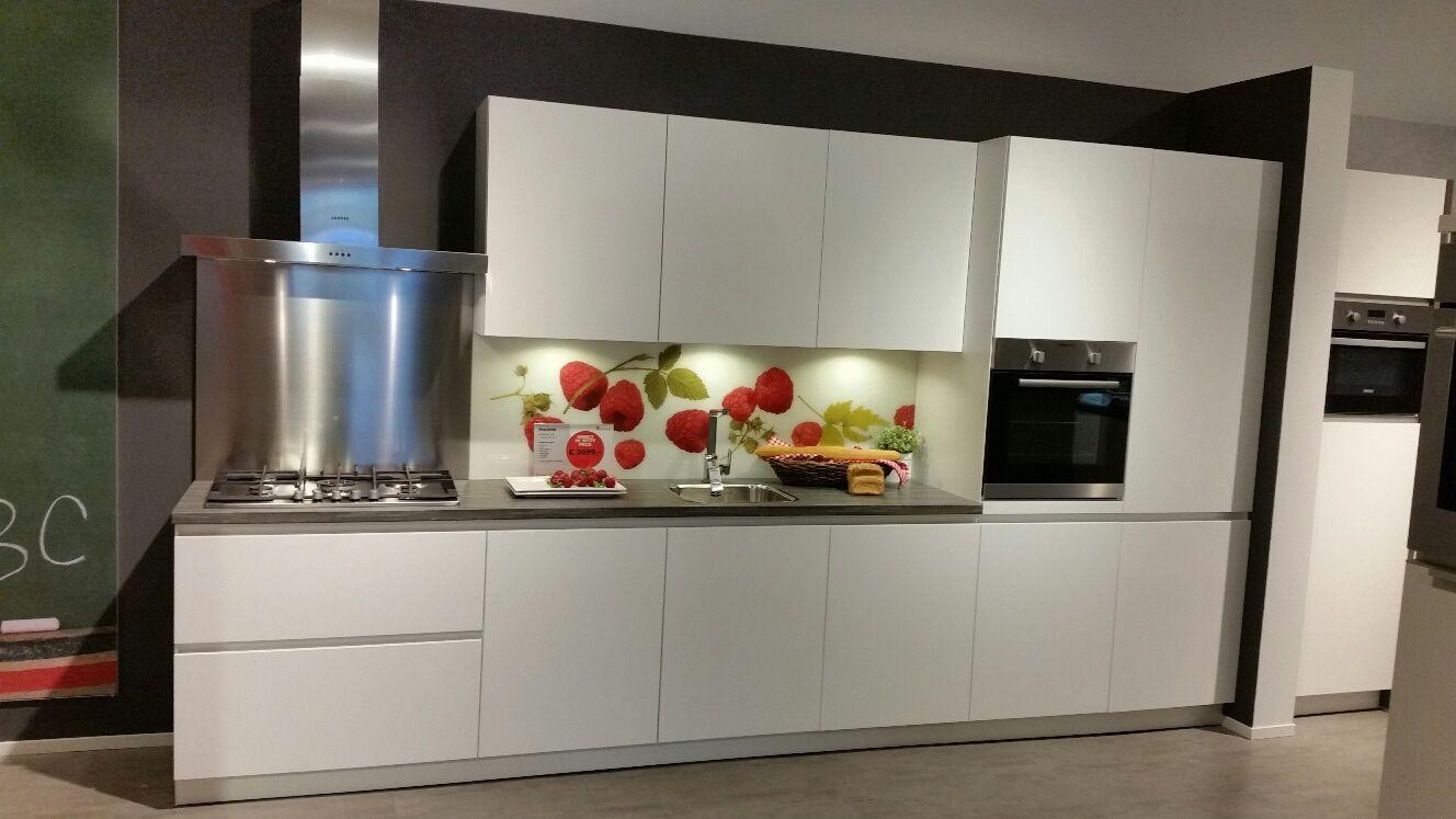 Moderne witte keuken affordable moderne witte keuken met