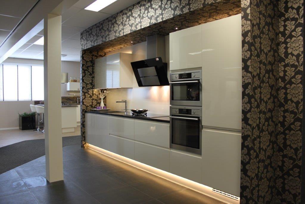 ... keukens voor zeer lage keuken prijzen  Moderne keuken greeploos