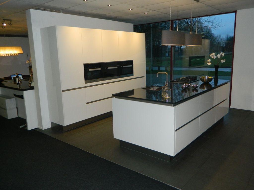 Showroomkeukens alle showroomkeuken aanbiedingen uit nederland keukens voor zeer lage keuken - Witte keukenfotos ...