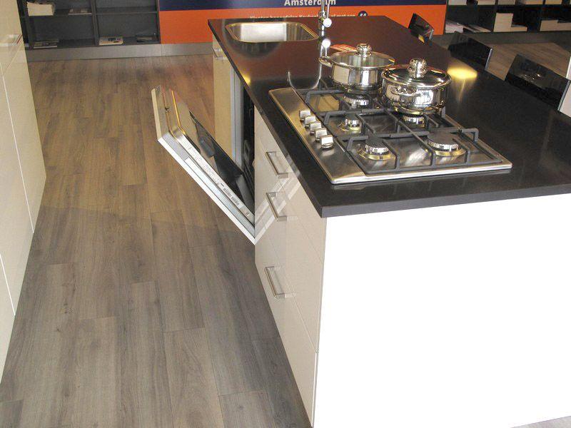 Keukeneiland T Opstelling : Showroomkeukens alle showroomkeuken aanbiedingen uit nederland