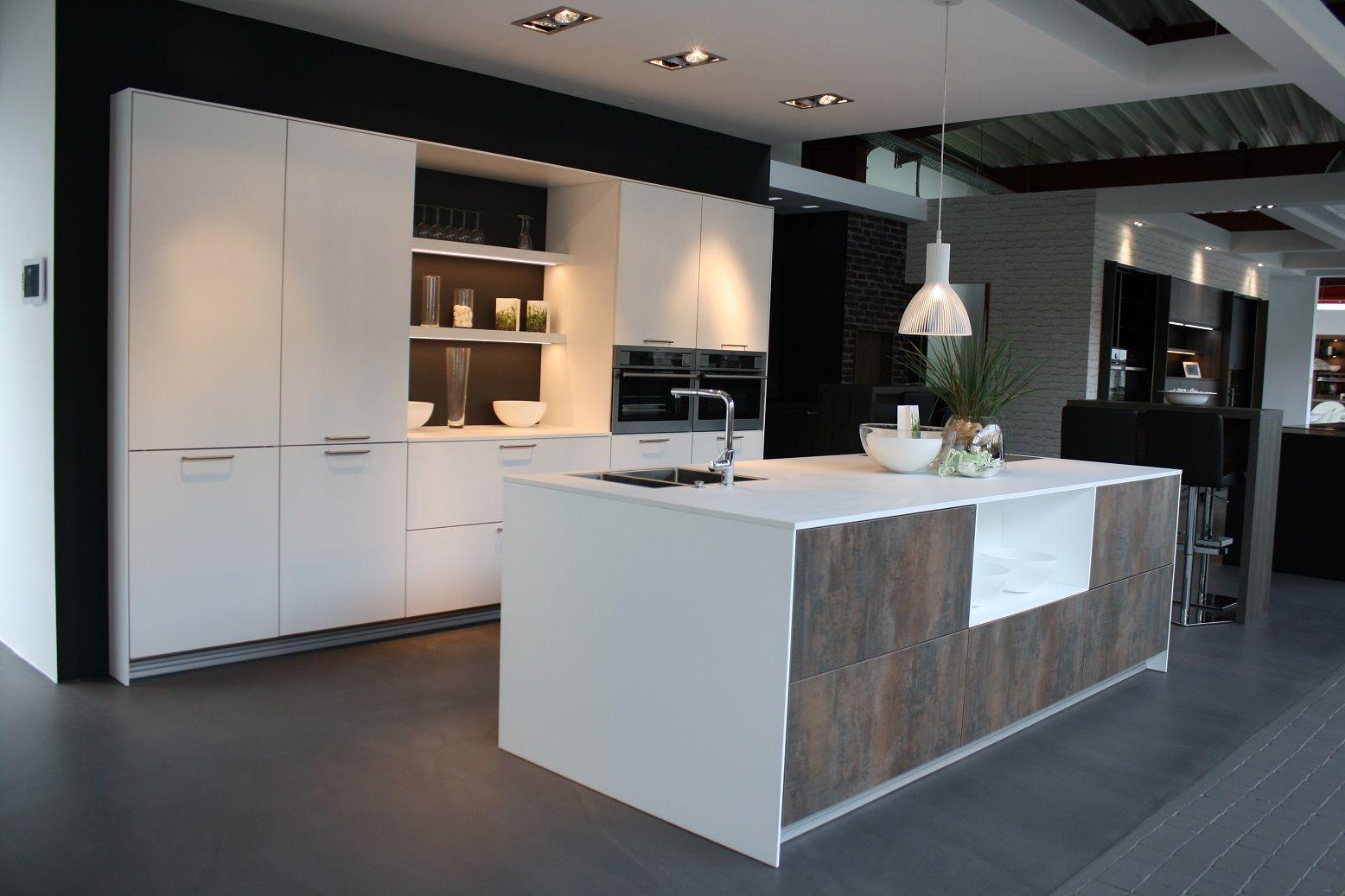 Landelijk Keuken Strakke : Showroomkeukens alle showroomkeuken aanbiedingen uit nederland