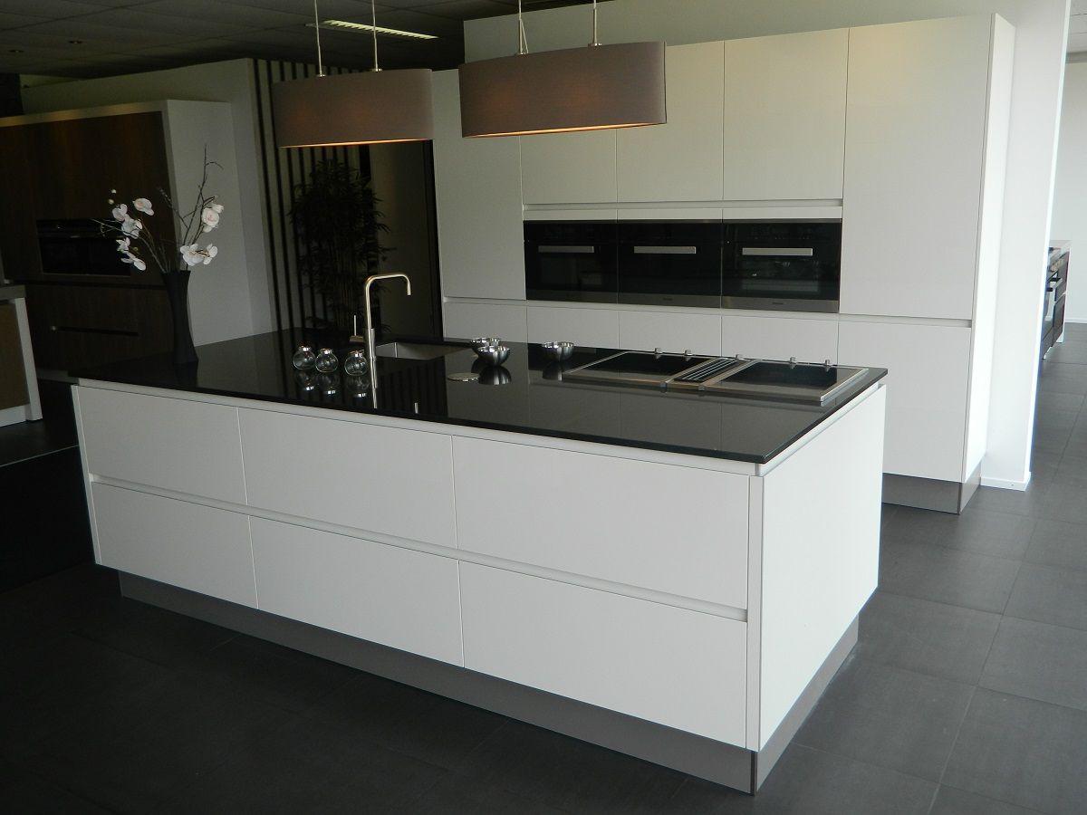 Design Keuken Showroom : Miele keukens showroom vianen m keukens tilburg showroom keuken