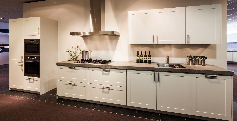 Witte Keuken Landelijk : Landelijke witte keuken great witte keuken with landelijke witte