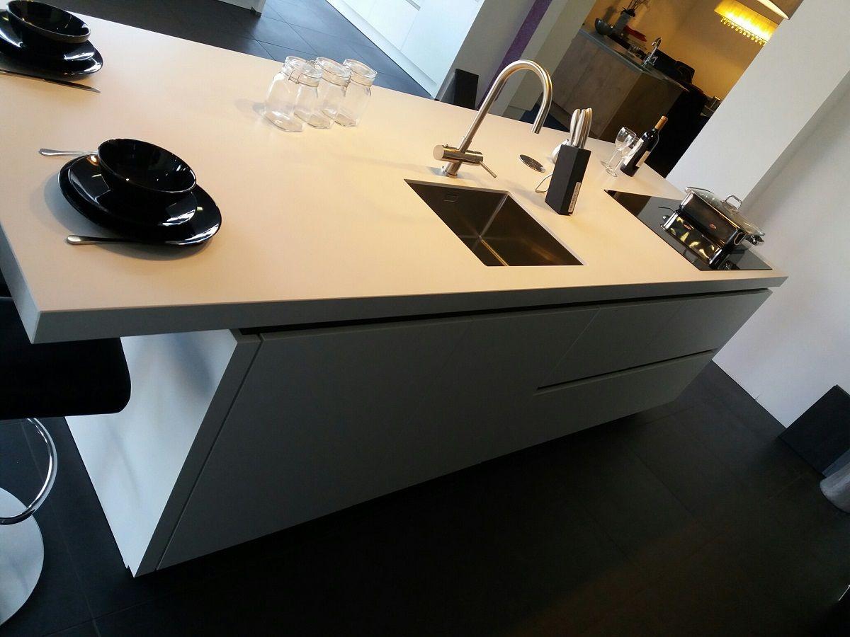 Design Stopcontact Keuken : Showroomkeukens alle showroomkeuken aanbiedingen uit nederland