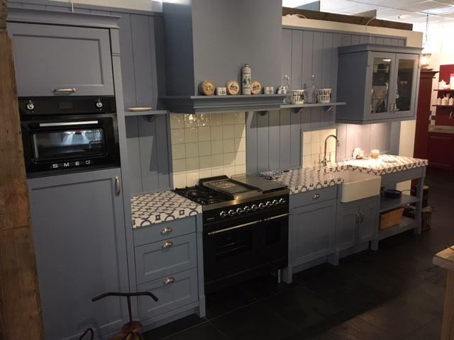 Fornuis Keuken Landelijk : Showroomkeukens alle showroomkeuken aanbiedingen uit nederland