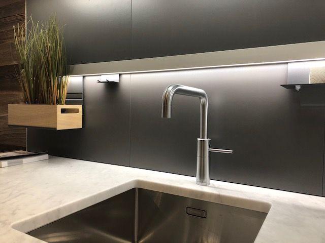 Keuken Marmer Zwart : Showroomkeukens alle showroomkeuken aanbiedingen uit nederland