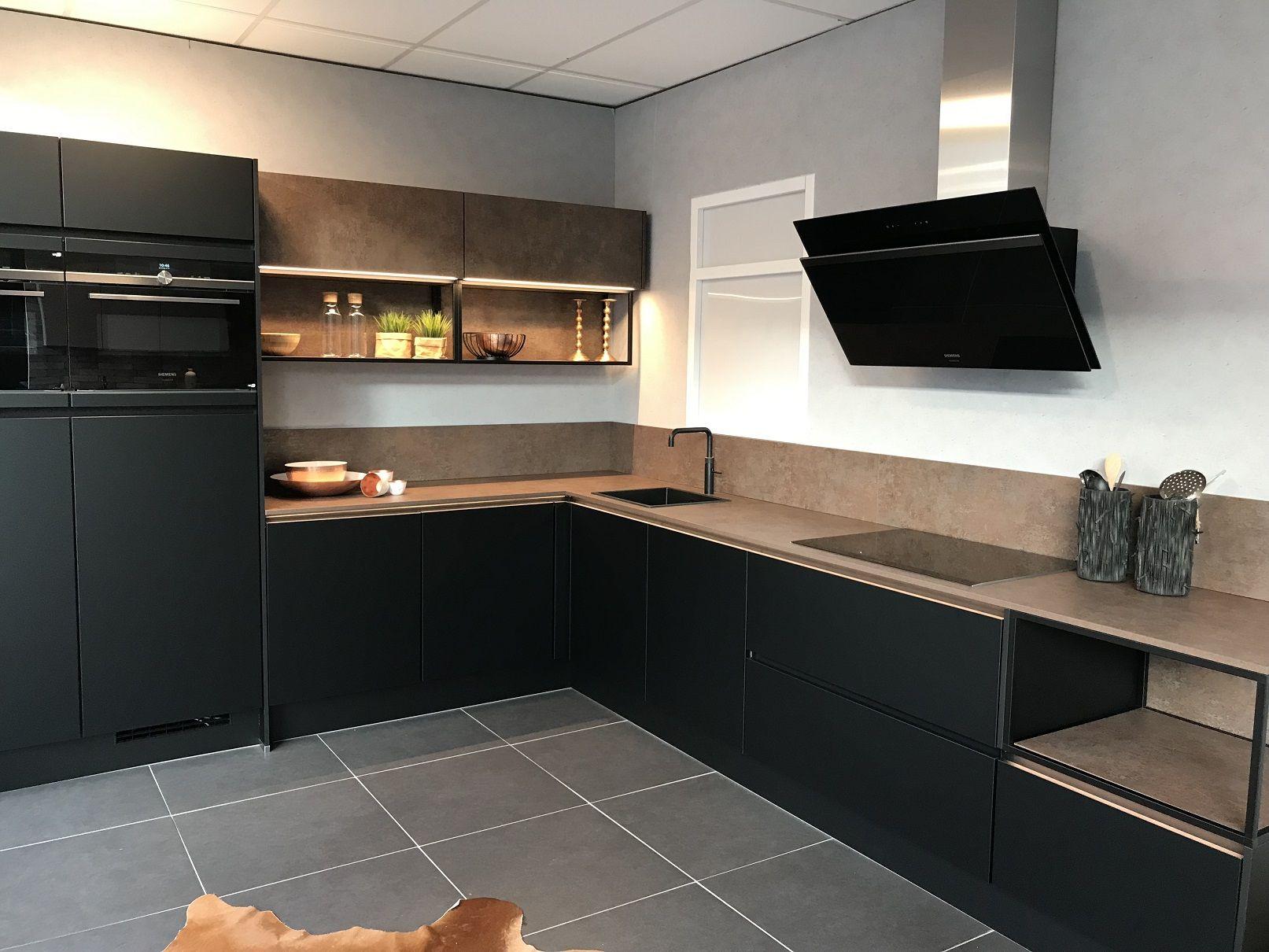 Mat Zwarte Greeploze Keuken 51076 Keukens App